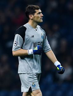 Iker Casillas of FC Porto looks on during the UEFA Champions League match between FC Porto and Leicester City FC at Estadio do Dragao on December 7, 2016 in Porto, Porto.