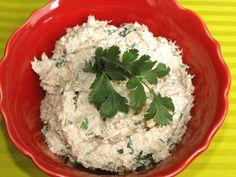 As receitas lá de casa: Paté de atum com alho e coentros