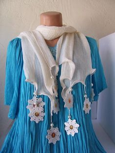 <3 Crochet Motif, Crochet Shawl, Crochet Designs, Crochet Lace, Crochet Patterns, Kurta Neck Design, Kurta Designs Women, Scarf Jewelry, Scarf Design