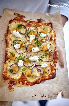 Pizza med Västerbottensost, potatis och löjrom