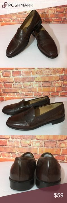 Johnston & Murphy Brown loafers Italy 10.5 Johnston & Murphy Brown loafers 👞 made in Italy 10.5. The shoes have a white cushion added underneath the tongue.  See third picture. Johnston & Murphy Shoes Loafers & Slip-Ons