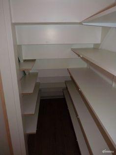 Nee! Te smal! Bovendien heeft deze trap geen hoek, zoals de mijne.