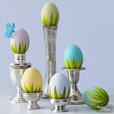Get ideas for easy Easter decorating, including Easter centerpieces, Easter table settings and decorating tips for simple Easter eggs. Easter Egg Dye, Coloring Easter Eggs, Hoppy Easter, Egg Coloring, Easter Bunny, Easter Crafts, Holiday Crafts, Easter Decor, Easter Ideas