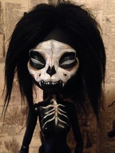 Doll comes nude. Tail and basic Monster High stand included. Custom Monster High Dolls, Monster Dolls, Monster High Repaint, Custom Dolls, Ever After Dolls, Catty Noir, Scary Dolls, Cat Skull, Haunted Dolls