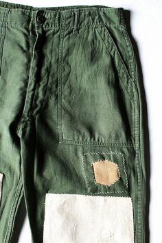 SASAKI-JIRUSHI (Vintage remake)  US ARMY Patchwork pants  Remade by us.  #Etsyworkwearteam #menswear #mensfashion Army Pants, Military Pants, Army Fatigue, United States Army, Boro, Man Style, Fashion Details, Streetwear Fashion, Vintage Men