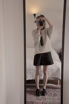 https://isabellasstylediary.blogspot.dk #fashion #style #drmartens #shirt #skirt  #file #personal  #inspiration #diary #isabellairena #stylish #fashionista #itgirl