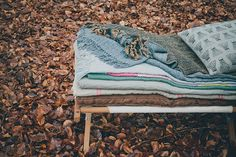 into the woods - blankets and pillows by urbans and indians fotografie: Danique van Kesteren