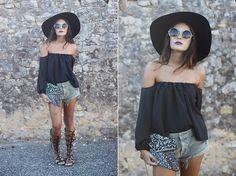 SHOP DIVERGENCE CLOTHING  http://divergenceclothing.com/clothing/shirts/hurricane-love-top.html  #festivalfashion #coachella #boho #hiptser #circleglasses