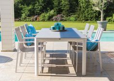 The Menton-Lille aluminium dining set has a fresh and stylish design that is lightweight and easy to stack. With its sea-blue cushions, this dining set offers a cool contemporary look for the summer. Available at De Tropen (www.detropen.es). Free delivery to the Costa del Sol.