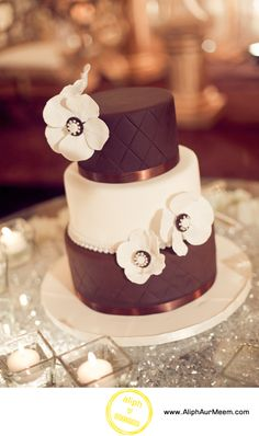 simple and elegant cake. I like the idea of a mix of chocolate and white