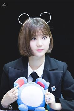 Super cutie bunny Eunha Girls In Love, Sweet Girls, Hair Reference, Girls Gallery, Girl Bands, Short Bob Hairstyles, Korean Celebrities, Girls Makeup, Kawaii Girl