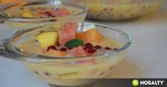Hideg görög gyümölcsleves tejszínnel recept képpel. Hozzávalók és az elkészítés részletes leírása. A hideg görög gyümölcsleves tejszínnel elkészítési ideje: 20 perc Gazpacho, Fruit Salad, Panna Cotta, Oatmeal, Food Porn, Pudding, Breakfast, Ethnic Recipes, Sweet