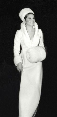 Barbra Streisand, in Arnold Scaasi - 1970