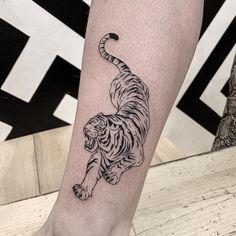 A sketch style tiger tattoo design symbolizes strength and power. Dope Tattoos, Mini Tattoos, Leg Tattoos, Body Art Tattoos, Small Tattoos, Sleeve Tattoos, Dragon Tattoos, Tatoos, Leopard Tattoos