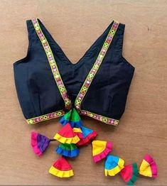 Blouse Back Neck Designs, Saree Blouse Patterns, Fancy Blouse Designs, Bridal Blouse Designs, Lehenga Blouse, Latest Saree Blouse Designs, Lehenga Skirt, Choli Blouse Design, Modele Hijab