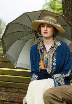 Lady Edith from Downton Abbey Season 6. Costume Designer: Anna Robbins.