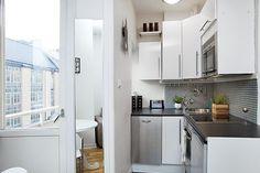 Kis lakás berendezés okos térfelosztással - egy ötletes mini otthon