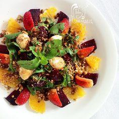 Paladares {Sabores de nati }: Ensalada de remolacha asada, naranja, fresas, mozzarella de búfala, menta y avellanas tostadas