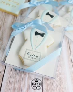 Bow tie boxed cookie favors personalised for any occasion...a stylish and generous thank you for your guests .... . . . . .…