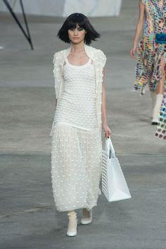 Défile Chanel Prêt-à-porter Printemps-été 2014 - Look 74