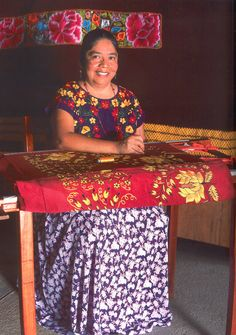Teresa López Jiménez from the Zapotec region of the isthmus of Tehuantepec, Oaxaca uses cross-stitch and traditional embroidery to embellish fabric and regional huipiles transforming each into a work of art. Teresa is considered to be one of the finest artisans in her field & has been working for 40 years at her art.  Meet her & buy from her in Chapala, Mexico - Nov 14-15 at Feria Maestros #artisan #embroidery #feria #mexico
