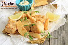 Fish & chips ossia pesce e patatine fritte è uno dei piatti più famosi di street food del mondo anglosassone. La pastella è resa super croccante dalla farina di riso e dalla fecola di patate. Tradizionalmente la pastella deve esser fatta con la birra. Per una versione senza glutine utilizzate la