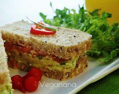 Sanduíche Integral com Abacate e Tomates - Veganana