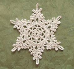 beautiful crochet snowflake - no pattern