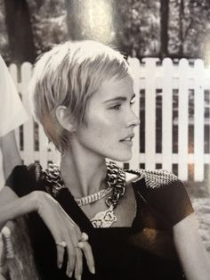 Isabel Lucas pixie. Longer and fuller back, love the sides ...