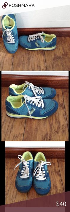 official photos 69c71 84aec Merrell SZ. 6 Women s Origins Arctic Teal shoes In excellent  condition.Check out my