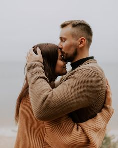 Engagement Photo Inspiration, Engagement Pictures, Couple Photography, Engagement Photography, Couple Photoshoot Poses, Cute Couples Goals, Picture Poses, Romance, Lovers