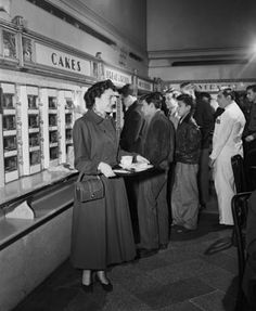 automat | Customers at a New York City Automat in 1950. (Bettmann/Corbis)