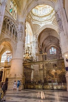 Cattedrale di S.Maria a Burgos stile architettonico gotica la terza chiesa al mondo          SPAGNA