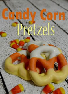 Delicious and festive Candy Corn Inspired Treats! Perfect for this Halloween Season for gifts, parties, kids, and for you! Halloween Pretzels, Halloween Goodies, Halloween Desserts, Halloween Candy, Holiday Desserts, Holiday Treats, Halloween Chocolate, Halloween Cocktails, Halloween Season