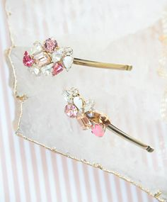 How to Make Pretty DIY Bobbi Pins for your Bridesmaids Barrette Ideas Bridesmaid Hair, Bridesmaid Gifts, Barrette, Diy Hair Accessories, Wedding Accessories, Hair Jewelry, Wedding Jewelry, Diy Hairstyles, Diy Fashion