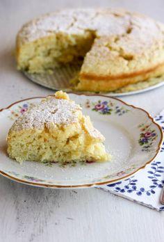 Super fluffiger Zitronen-Ricotta-Kuchen: Schmilzt im Mund dahin! Ein toller Sonntagskuchen, Rezept auf we-love-pasta.de