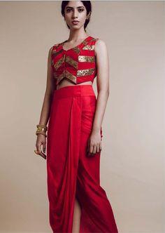 #roshnichopra #indiandesigner #indianwear #shopnow #ppus #happyshopping