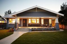 Photos of bungalow houses, including Craftsman Bungalows and other popular bungalow types. Explore the variety.