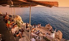 Sundowner: an evening drink at Buža beach bar.