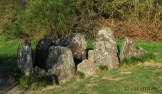 photos from Brittany : standing stones, dolmens, cairns and sacred stones Cairns, Photo Bretagne, Brittany France, Celtic Music, King Arthur, Stonehenge, Monuments, Places To See, Castle
