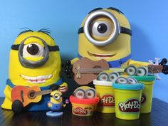 How to make Stuart the Minion with Play-Doh