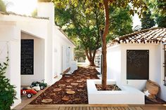 For those of you with little ones in tow, these spots are just perfect http://www.bridesmagazine.co.uk/planning/general/honeymoon/2016/06/best-family-honeymoon-destinations-brides-guide