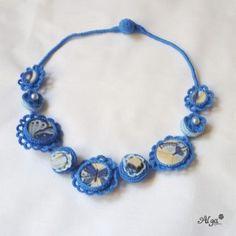 Náhrdelník Modrý motýl/Crochet necklace