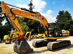 JCB is perhaps the most well known excavator brand in the world ... Do you like those pics ? See more on http://www.machineryzone.eu/used/track-excavator/1/3084/jcb.html