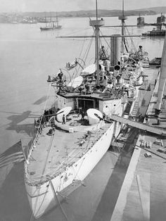 size: Photo: U. Charleston in San Francisco Harbor : Naval History, Military History, Us Navy Ships, United States Navy, American War, Submarines, Historical Pictures, Boat Building, Model Ships