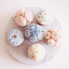 Rose QuartzSerenity #bakingclass#buttercream#cake#baking#수제케이크#weddingcake#버터크림케이크#꽃#flowers#buttercake#플라워케이크#wedding#버터크림플라워케이크#specialcake#birthdaycake#flower#장미#rose#디저트#케이크#cupcake#dessert#food#beautiful#부케#bouquet#instacake#꽃스타그램#flowercake#peony @yoon2222222