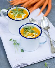 Karotten Kürbis Suppe für kalte Abende - vegan, ohne Milch, ohne Ei, eifrei, milchfrei, laktosefrei, glutenfrei. Geeignet bei einer Nahrungsmittelunverträglichkeit oder Lebensmittelunverträglichkeit wie Laktoseintoleranz, Milchunverträglichkeit oder Milchallergie, Glutenunverträglichkeit oder Zöliakie.