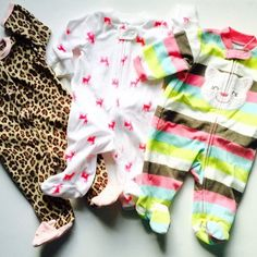 Carter's Sleepers Newborn NB Bundle of 3 Footed PJ's Long Sleeve Zipper Front Pajama Sleepers Pre-Owned Excellent Condition