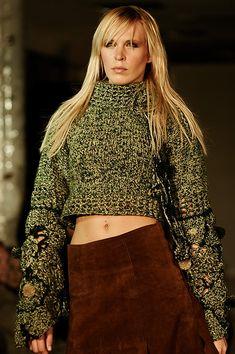 Ručně pletený zelený svetr – MOLO7 Bell Sleeves, Bell Sleeve Top, Women, Fashion, Moda, Fashion Styles, Fashion Illustrations, Woman