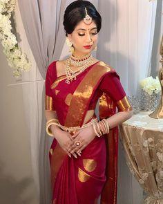 Traditional red has never looked this fascinating ❤️ saree . Kerala Wedding Saree, Bridal Sarees South Indian, Wedding Silk Saree, Indian Bridal Outfits, Indian Bridal Fashion, Indian Bridal Wear, Tamil Wedding, Punjabi Wedding, Indian Dresses
